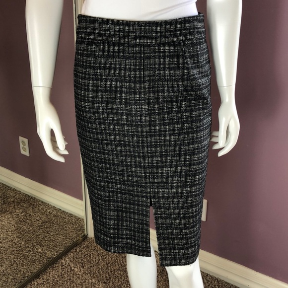 Trina Turk Dresses & Skirts - Trina Turk Plaid Wool Blend Tweed Pencil Skirt